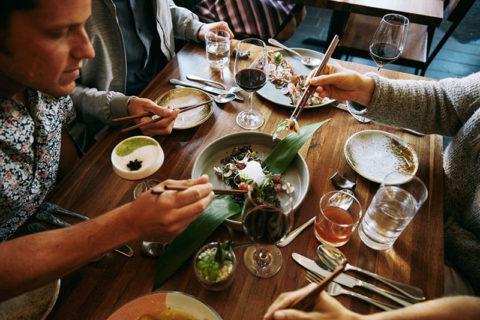 Κράτηση εστιατορίων μέσω …Airbnb!