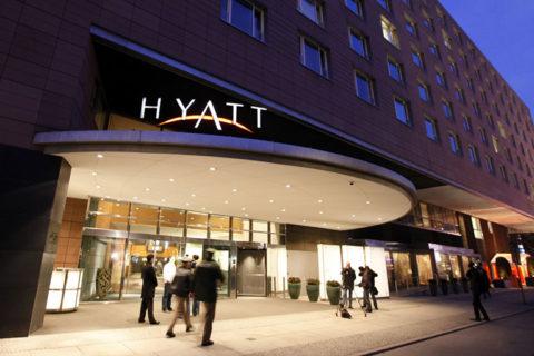 HYATT HOTELS: Χάκερ είχαν πρόσβαση σε πληροφορίες πιστωτικών καρτών σε 41 ξενοδοχεία