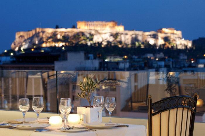 Η L + R Hotels εξαγόρασε το Titania