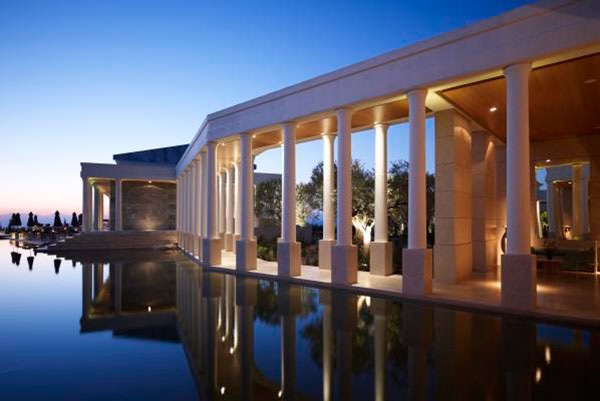 Forbes: 5 top ελληνικά resorts προτείνει για το φθινόπωρο