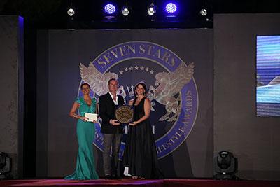 Το ξενοδοχείο OUT OF THE BLUE, Capsis Elite Resortκέρδισε το διεθνές βραβείο ως το«Πολυτελέστερο ξενοδοχείο της Ελλάδας»
