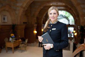Πόσοι εργαζόμενοι μπορούν να φοιτούν στα Τμήματα Μετεκπαίδευσης του Υπουργείου Τουρισμού