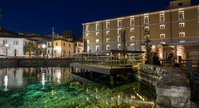 Hydrama Grand Hotel: Η ιστορική καπναποθήκη Hermann Spierer μεταμορφώθηκε σε παραδοσιακό ξενοδοχείο
