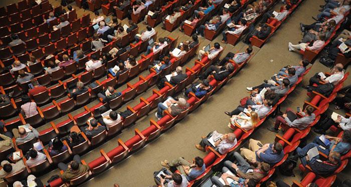 Ένα συνέδριο φέρνει την άνοιξη;