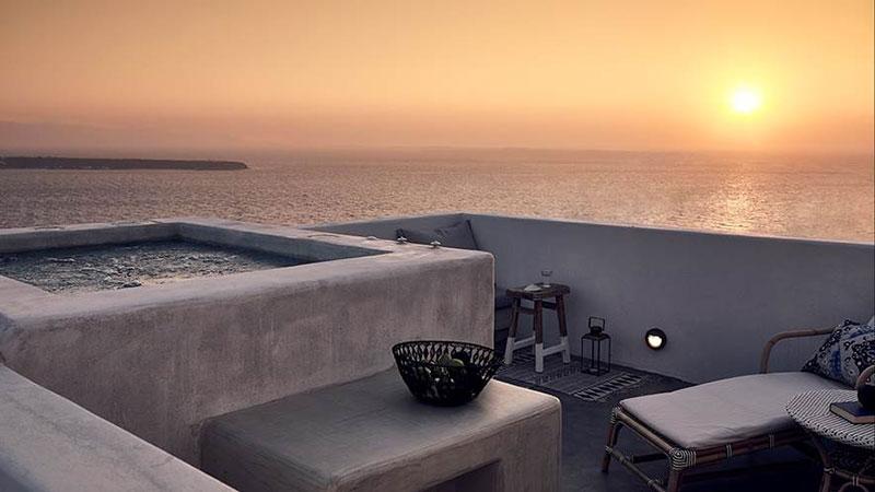 """""""Καλύτερο Resort Spa"""" σε Ελλάδα και Ευρώπη το Santo Maris Oia"""