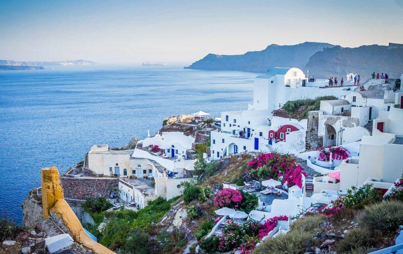 Η Ελλάδα ανάμεσα στους πιο δημοφιλείς και ακριβούς προορισμούς διεθνώς για το 2017