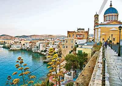Η Σύρος έχει τις προοπτικές να αναδειχθεί σε κορυφαίο προορισμό για τουρισμό 365 ημέρες τον χρόνο