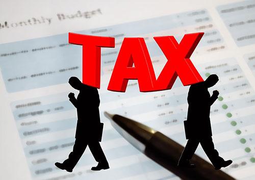 Πέντε φορολογικές και ασφαλιστικές ελαφρύνσεις