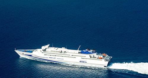 Καθημερινές Αποδράσεις στις Κυκλάδες με το Tera Jet από Πειραιά για Πάρο – Ίο – Σαντορίνη