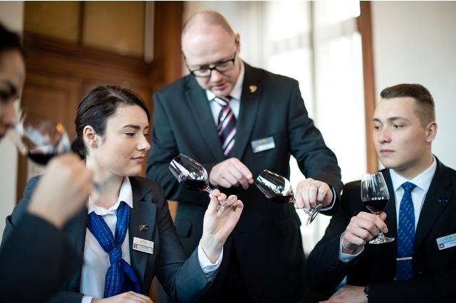 Νέα προγράμματα σπουδών ανακοινώνει το Swiss Education Group