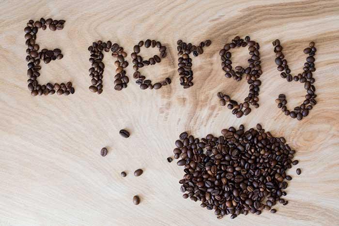 5+1 λόγοι που η καφεΐνη είναι πραγματικά χρήσιμη. Δες τι λέει η επιστήμη