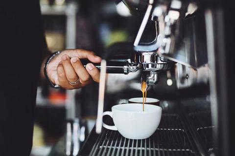 Πρωϊνό ξενοδοχείου: Γιατί χρειάζεται καθάρισμα η μηχανή espresso;