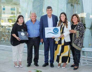 Το Louis Infinity Blu παρέλαβε το βραβείο του καλύτερου ξενοδοχείου στον κόσμο
