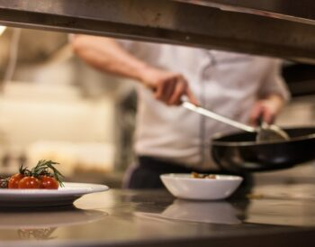 Η σημασία της ασφάλειας των τροφίμων για τα εστιατόρια