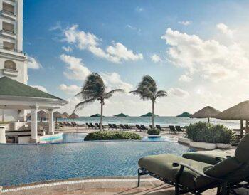 Το JW Marriott Cancun Resort & Spa και το Marriott Cancun Resort άνοιξαν ύστερα από μια ολοκληρωμένη ανακαίνιση