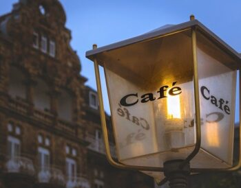 7 συμβουλές για το interior design του καφέ σας για να επιστρέφουν οι πελάτες σας
