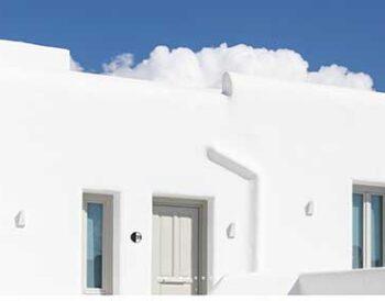 Nimbus Mykonos Hotel: Το design του ξενοδοχείου ακολουθεί την μίνιμαλ νησιωτική αισθητική της Μυκόνου.